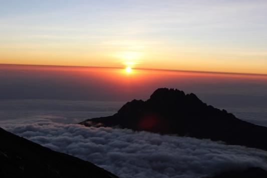 climb kilimanjaro full moon