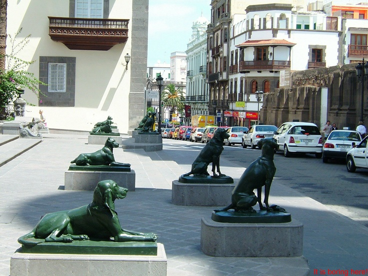 Guards in Gran Canaria